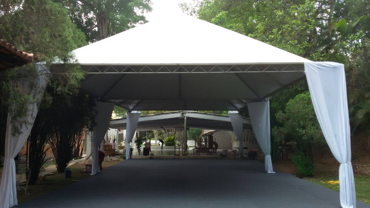 aluguel de tendas e piso para casamento